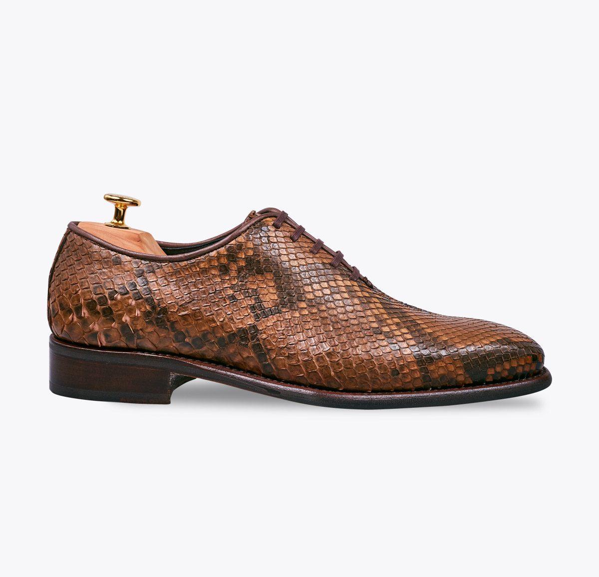 Zapato 0065 pitón marrón hecho a mano en mandalashoes, Santanyí Mallorca. Hand made shoes. Nach Mass Schuhe