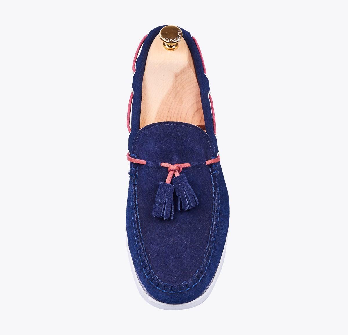Mocasín pasacinta borla hecho a mano en mandalashoes, Santanyí Mallorca. Hand made shoes. Nach Mass Schuhe