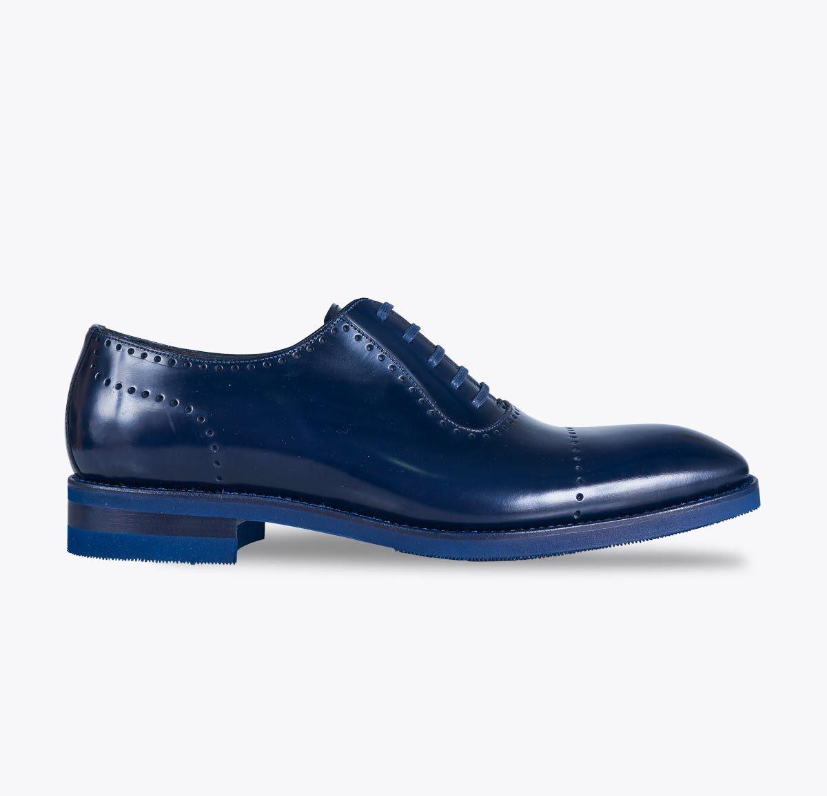 Zapato titanic azul hecho a mano en mandalashoes, Santanyí Mallorca. Hand made shoes. Nach Mass Schuhe