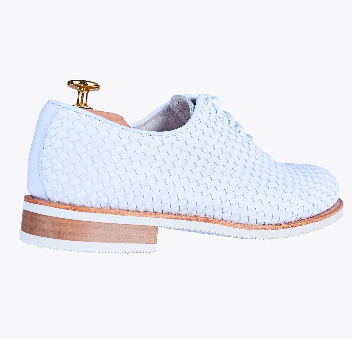 Zapato trenzado blanco mandalashoes Santanyí Mallorca