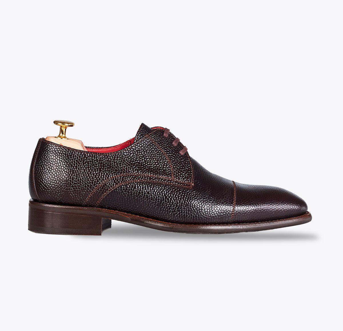 Zapato Baly ébano hecho a mano en mandalashoes, Santanyí Mallorca. Hand made shoes. Nach Mass Schuhe