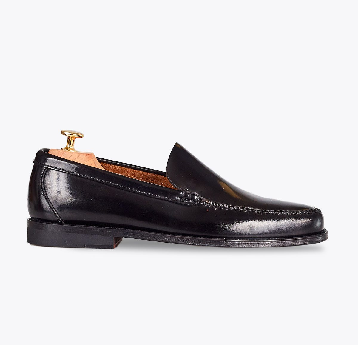 Zapato castellano liso negro hecho a mano en mandalashoes, Santanyí Mallorca. Hand made shoes. Nach Mass Schuhe