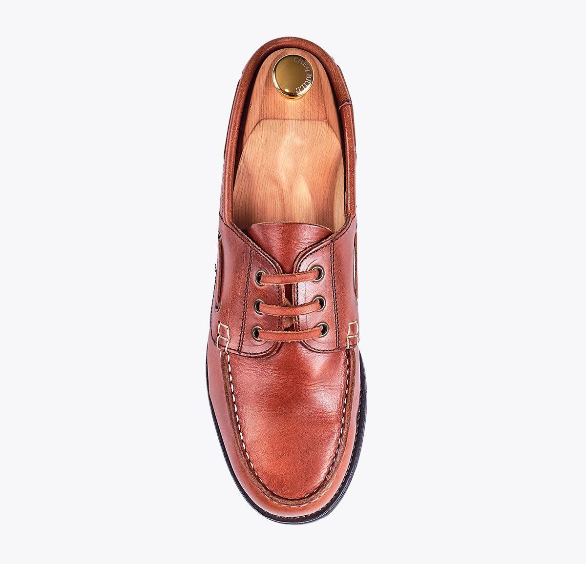Zapato náutico hecho a mano en mandalashoes, Santanyí Mallorca. Hand made shoes. Nach Mass Schuhe