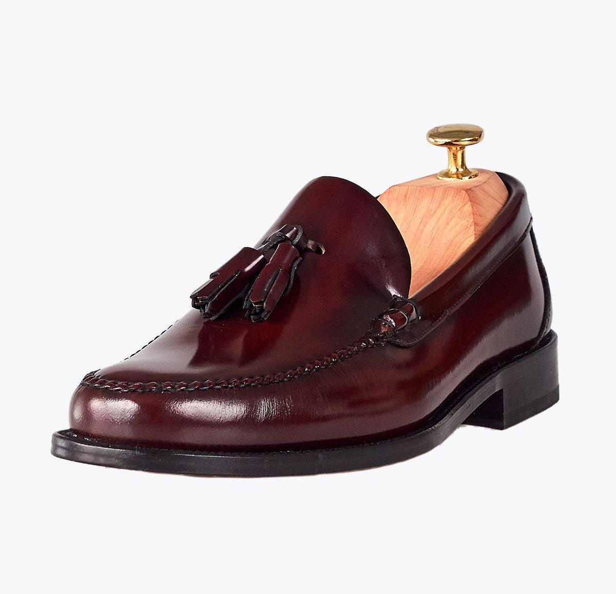 Zapato Castellano borlas sirach hecho a mano en mandalashoes, Santanyí Mallorca. Hand made shoes. Nach Mass Schuhe